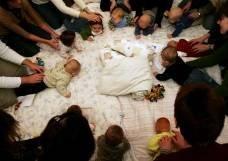 Tirsdag d. 3/1-06. Christoffer er til babysamlesang i ringe kirke.