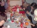 Juleklip og hygge ved Lise. Der er dyb koncentration :)